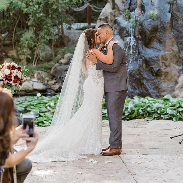 زفاف - Cascading Cathedral veil chapel veil WEDDING veil Bridal veils Etsy wedding veils abusymother veils