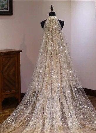 Hochzeit - Sparkling, Champagne colored princess veil