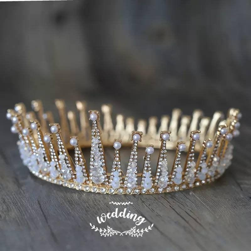 Hochzeit - Gold Bridal Crown with Crystals-Crowns for Brides-Gold Wedding Headpiece-Prom Crown-Gold Princess Diadem-Gold bridal Hair Jewellery-Weddings