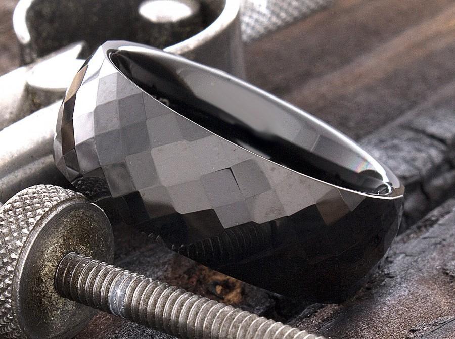 Mariage - Tungsten Ring, Black Tungsten Ring, Diamond Cut Tungsten Ring, Faceted Tungsten Ring, Personalized, Mens Tungsten Ring, Mens Wedding Ring