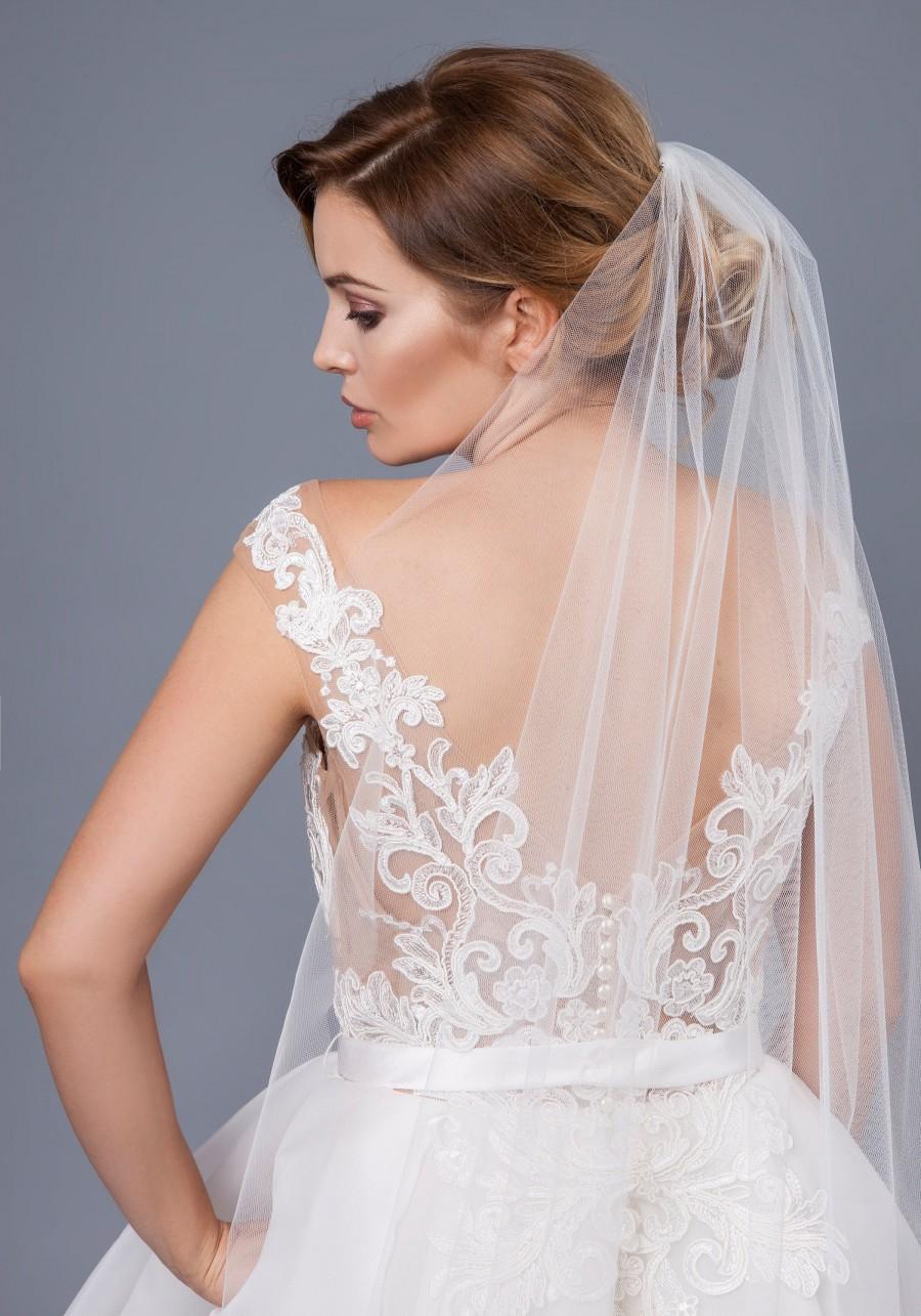 Mariage - Soft English Net Bridal Veil, Fingertip English Net Veil Cathedral Wedding Bridal Veil  ivory, Long Bridal english tulle Veil Wedding veil
