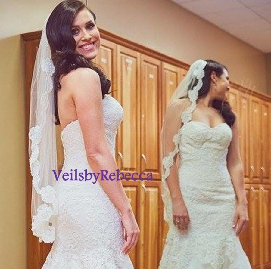 Mariage - 1 Tier Lace fingertip veil, Short fingertip lace wedding veil, lace veil fingertip-1 short French Alencon lace bridal veil V647