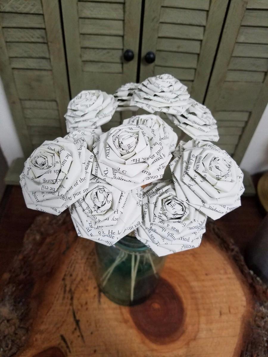 زفاف - 1 Dozen Lord of the Rings Book Page Flowers -12 Paper Roses - Wedding - Birthday - Book Page Flowers - Book Decor - Book Art