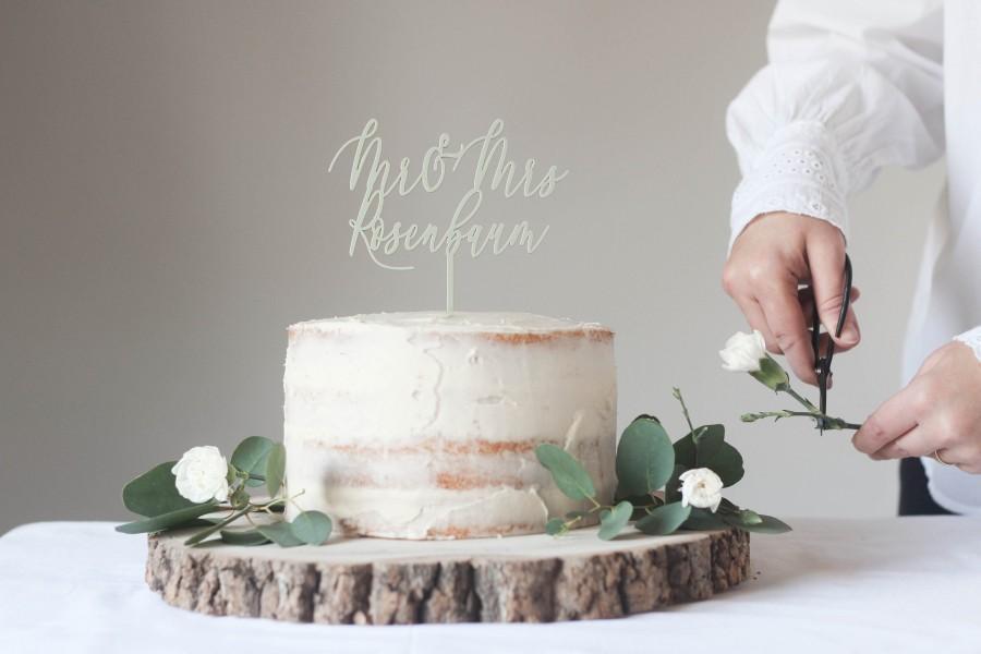 Свадьба - Custom Mr And Mrs Wedding Cake Topper - A Modern Surname Wedding Cake Topper