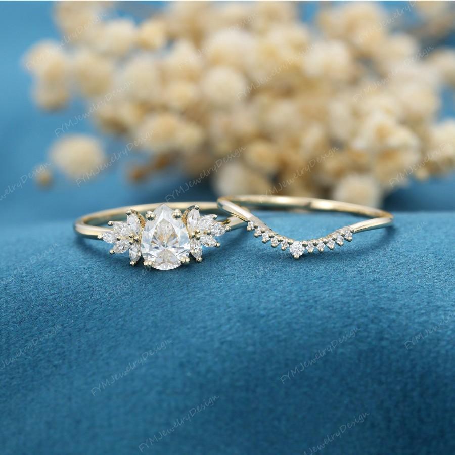 زفاف - Pear shaped Moissanite engagement ring set vintage Yellow gold marquise cluster moissanite engagement ring Diamond wedding Promise gift