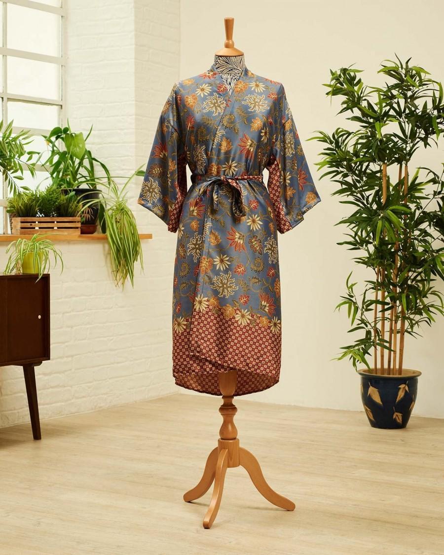 Wedding - Lotus Lavender Long silk blend kimono robe, Dressing gown, Vintage silk kimono, Bridesmaid robes, Boho kimono, Bridal Robe, Kimono Dragon