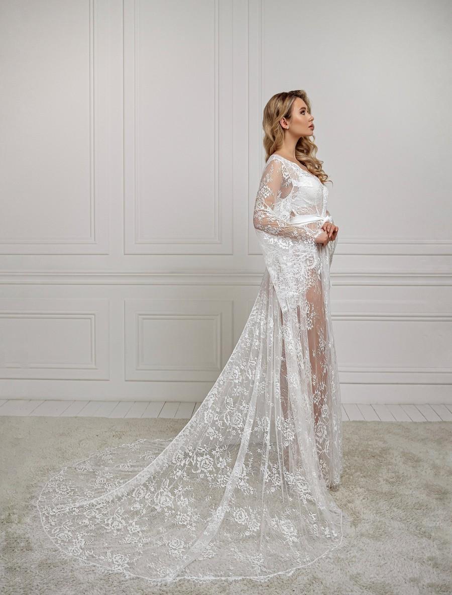 Wedding - Long lace robe, bridal robe with train, maxi bridal robe, bridesmaid robe, dressing gown, chantilly lace, boudoir robe, sheer robe