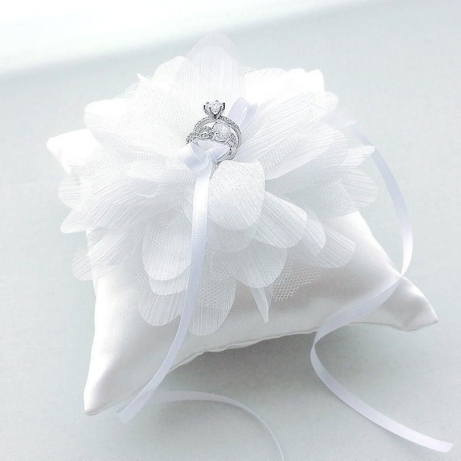 Hochzeit - Elegant White Flower Wedding Ring Pillow, Ring Bearer Pillow, Ring Cushion, Wedding Gift