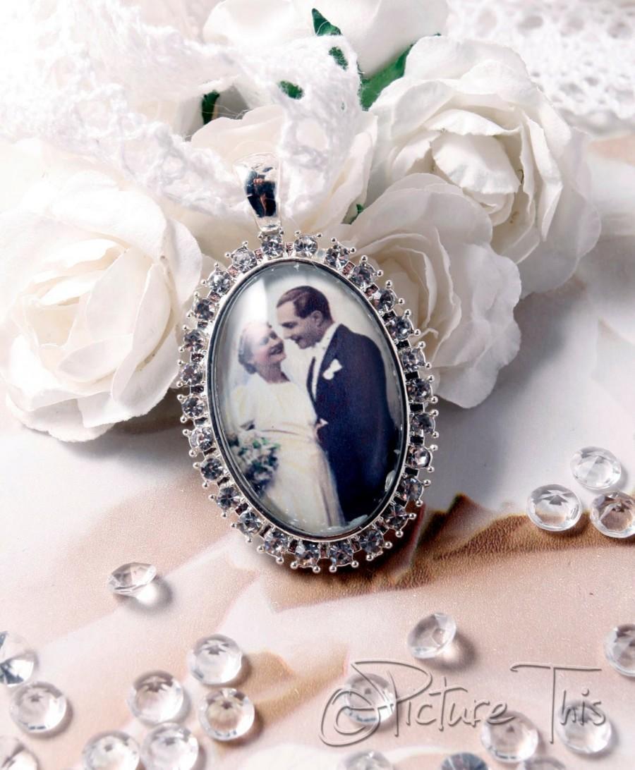 Mariage - Custom Bouquet Charm, Wedding Bouquet Charm, Bouquet brooch, Custom Photo Charm, Memorial Photo Charm, Diamante Photo Charm, Bridal Bouquet.