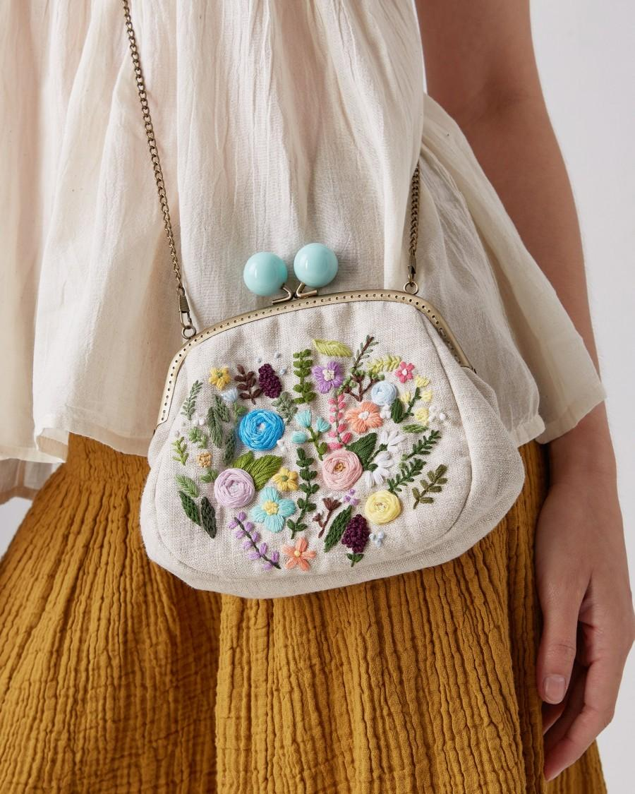 Wedding - Custom Click Clack Purse Linen Floral Embroidery Kisslock Frame Purse With Chain Cute Bridesmaid Gifts Wedding Gift For Woman
