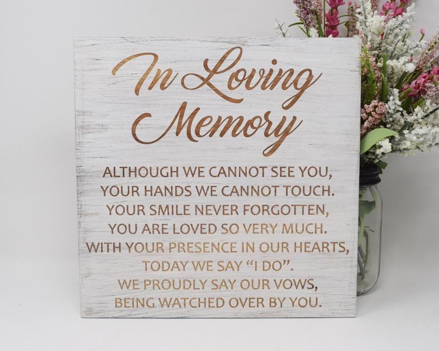 Hochzeit - In Loving Memory 10x10 12x12, 15x15, 20x20, 25x25, 30x30 Engraved Wood Wedding Sign