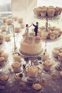 wedding photo - wedding topper and cupcakes
