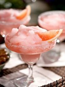 Grapefruit-White Wine Sparkler