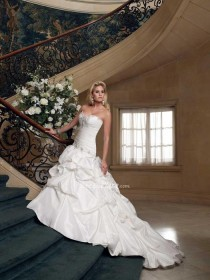 wedding photo - Taffeta Strapless Sweetheart Wedding Dress