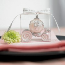 wedding photo - Cinderella Wedding Carriage Candle - Confetti.co.uk