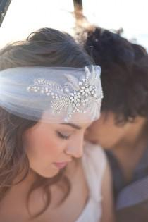 wedding photo - Braut Kopfschmuck - Crystal Perlen & Boho Veil - Made To Order