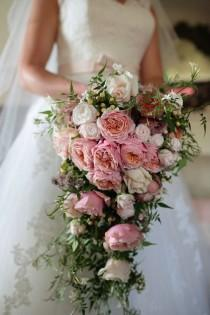 wedding photo - 20 Stunning Cascading Bouquets & Expert Tips From Florists
