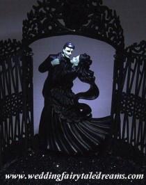 wedding photo - Frankenstein / Old Movie Monsters thème de mariage Inspiration