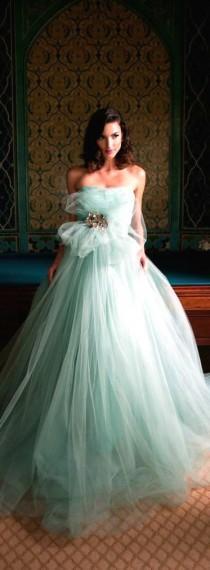 wedding photo - فستان الزفاف ● منت، بواسطة كارين كالدويل