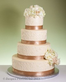 wedding photo - Colorful Wedding Cake; Gold Cake