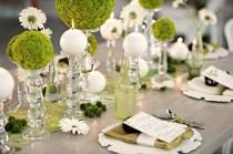 wedding photo - Modern Circle-Inspired Green & White Wedding Inspiration