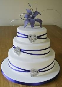 wedding photo - Crystal Hearts Purple Wedding Cake