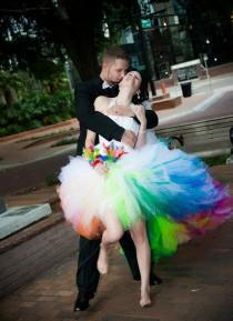 wedding photo - Regenbogen-Hochzeitskleid