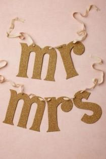wedding photo - PHOTOS: 10 Best Gold Wedding Details And Ideas
