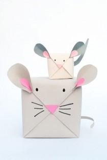 wedding photo - DIY Holiday Mouse Gift Wrap