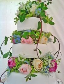 wedding photo - Gâteau de mariage de printemps
