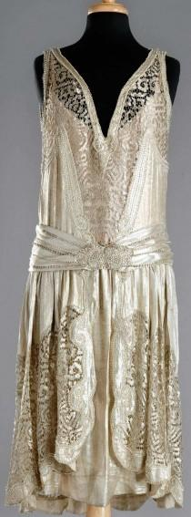 wedding photo - Charleston Dress, 1920 - Stunning Detail