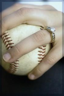 wedding photo - Baseball-Hochzeits-Foto-Idee