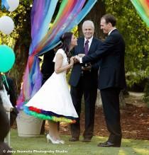 wedding photo - Regenbogen-Themed Hochzeit Inspiration