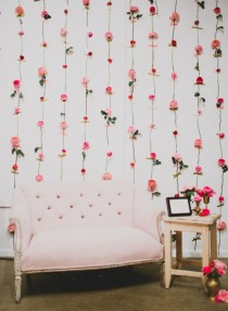 wedding photo - DIY Fresh Flower Wall For Wedding Decor