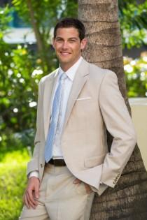 wedding photo - Tropical Grooms Style
