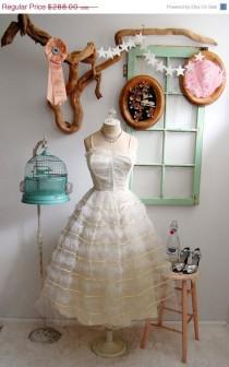 wedding photo - Rockabilly 1950er Hochzeits Inspiration