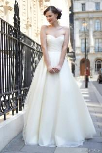 wedding photo - Weddings: Bridal Fashion