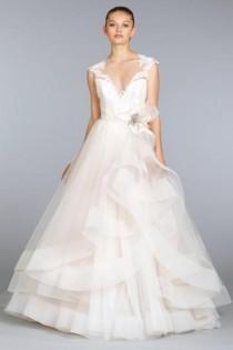 197af43811d3 Short Sleeved/Cap Sleeved/Off The Shoulder Sleeves Wedding Gown Inspiration