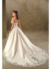 wedding photo - A-line Sweetheart Strapless Embroidery Empire Sweep-train Floor-length Wedding Dresses WE1632