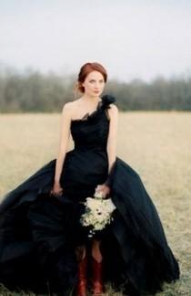 wedding photo - Une courroie d'épaule de mariage Inspiration vestimentaire