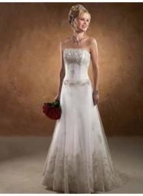wedding photo - A-line Strapless Applique Brush Train Tulle Wedding Dresses WE4092