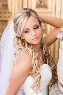 wedding photo - Coiffures pour la mariée.