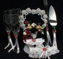 wedding photo - Микки и Минни Маус свадебный торт Топпер много очки, набор ножей, DISNEY красная Подвязка
