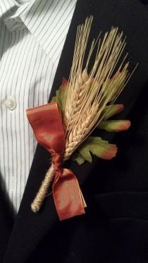 wedding photo - Boda de la caída Rústico Boutonniere (Boutineer) - Trigo Con La Cinta Naranja Quemado