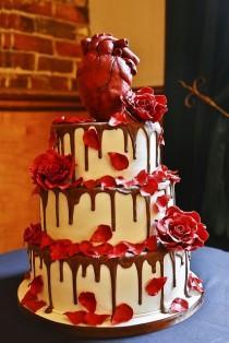 wedding photo - تناول الطعام خارج قلبك ... من كعكة الزفاف