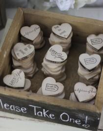 wedding photo - Favores de la boda de madera del corazón Imanes interior rústico Box (Número de artículo 140184)