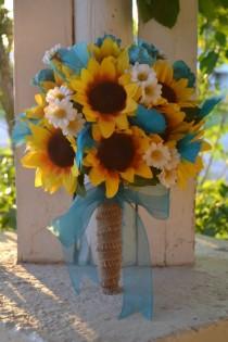 wedding photo - Plumas Rústico Sunflower Bouquet País Sur Novia Ramo de Rose de la margarita de la arpillera de la turquesa azul del trullo Bout