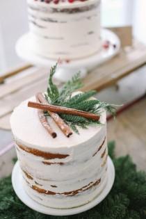 wedding photo - Pastel de boda de invierno Rústico