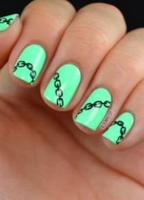 wedding photo - Learn How To Create This Chain Nail Art On Your Tips