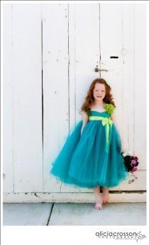 wedding photo - Blumen-Mädchen-Kleid. Mädchen-Kleid